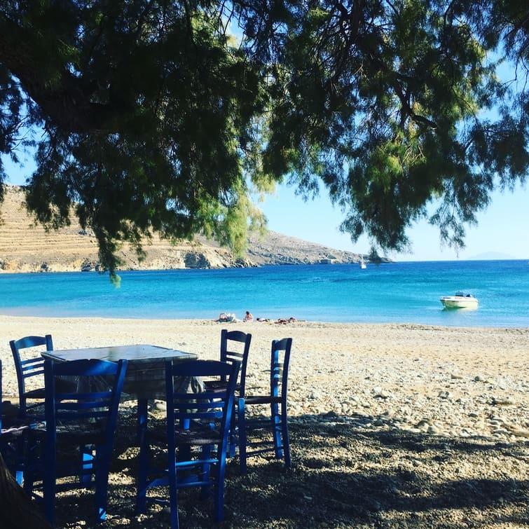 taverna greca sul mare